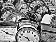 فيزيائيون يكتشفون مشكلة غريبة أثناء قياس الزمن