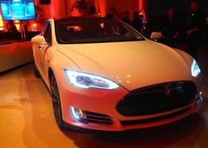 Tesla تبيع 25202 سيارة Tesla Model S بالولايات المتحدة في العام الماضي