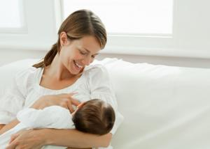 حليب الأم يمنع أمراض الكبد
