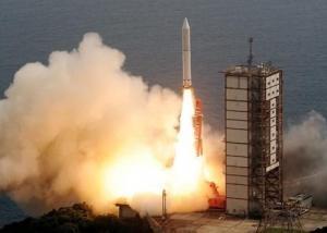 اليابان تطلق بنجاح صاروخا يعمل بالوقود الصلب