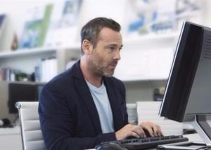 التهاب وتر اليد يهاجم أصحاب العمل المكتبي