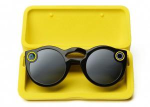 Snap Inc تطلق نظارات Snapchat Spectacles، وتنفد في غضون ساعات