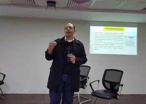 """أحمد عشماوي : فتح الباب لطلاب الحاسبات للحصول على برنامج تدريب لـ """"Embadded  Systems """"  للمرة الأولى"""