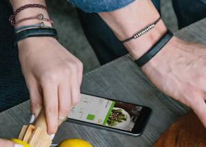 Fitbit تحاول  الإستحواذ على منافستها الرئيسية Jawbon